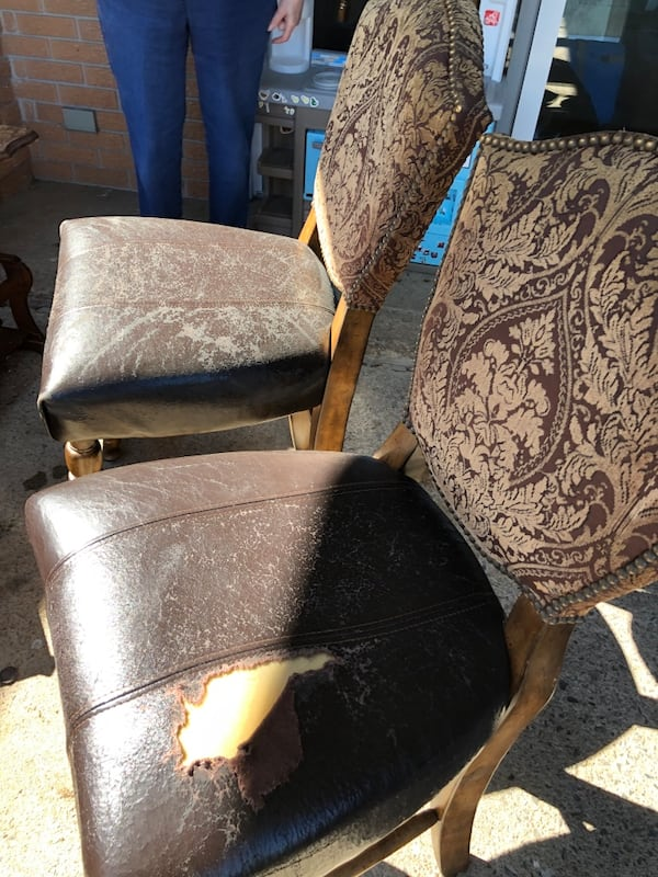 Two pub height heavy chairs 2c504bc6-c0f7-4e96-9c52-f842680149cf