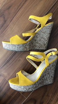 Size 7 yellow platforms