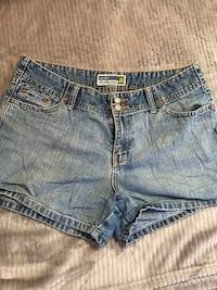 Women's shorts size 10 Fort Worth, 76036