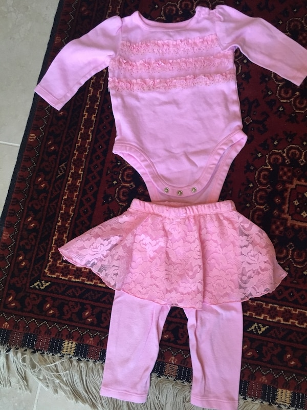 Baby outfit (12 months)