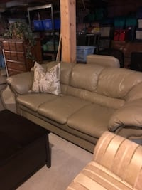 Leather sofa and love seat Guelph, N1E 7L4