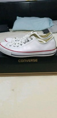 Converse leather size 8.5 Burnaby, V5H 3W8