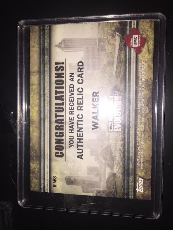 The Walking Dead relic cards 3