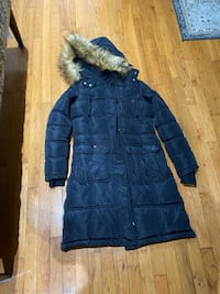 Canadaweathergear winter jacket for women size small Mississauga, L5N 7H1