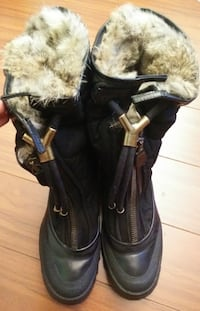 BURBERRY FUR BOOTS SIZE 40