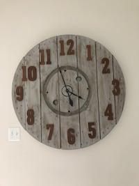 """Rustic farm clock, NEW!! Bought it from sweetcloverbarn for 225.00 didnt realize its too big for my wall.42"""" wide and 2""""thick, heavy and good quality 21 mi"""