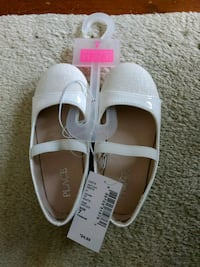 NEW Toddler girl shoes (size 7) Stow, 01775