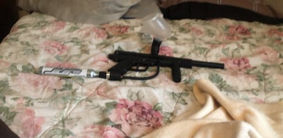 Paintball gun comes with filled tank