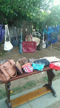 Womans pyrses and handbags  Riverside, 92504