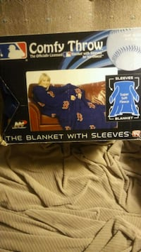 Red Sox Blanket with Sleeves Nashua, 03062