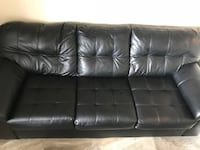 Black leather couch Gatineau, J8Y 6L1
