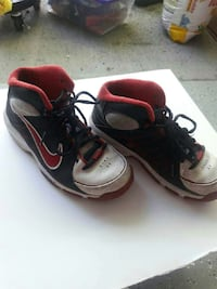 bdfef8998e07cd Used pair of white-black-and-red Nike high top sneakers for sale in ...