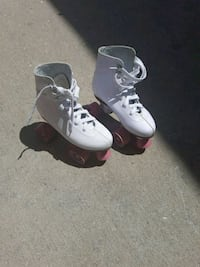 Woman skates fairly new size 6 ...4 in youth  Laurel, 19956