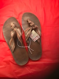 $3 NEW w/ Tags--Women's Size 8 Knotted Thongs Las Vegas, 89107