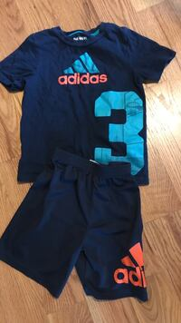 Adidas short set size 5 St. Clair Shores, 48082