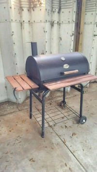 black and gray gas grill Newberry, 32669