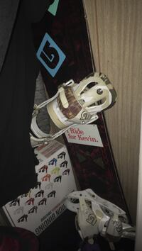 Burton deuce board 155 with burton mission bindings London, N5W 4P7