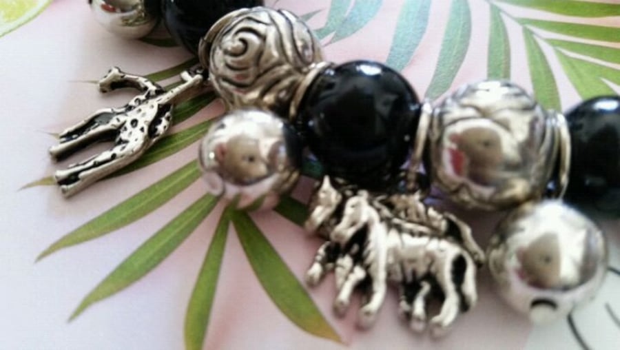 Silver plate charms with animals  bracelet  00987492-f124-4f1f-bfe0-701cf19867e6