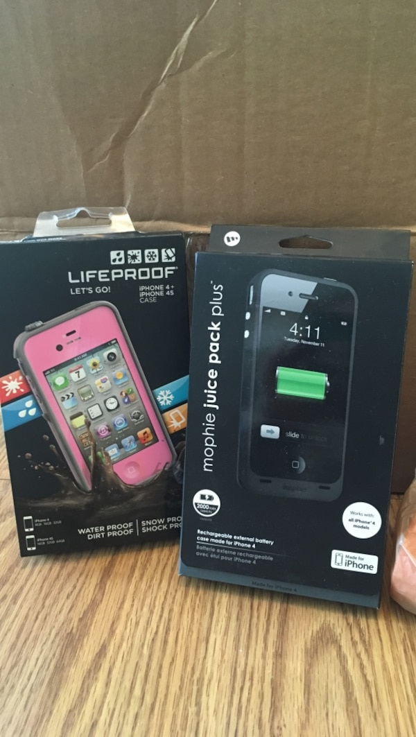 best loved f05bc 0c343 Fre lifeproof iphone 4 case and black mophie juice pack plus box