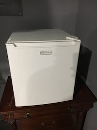 Great condition working mini fridge !  Silver Spring, 20901