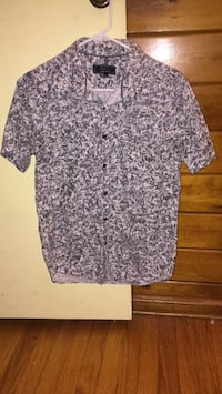 Forever 21 men's shirt size small  Albany, 12205