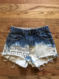 Blue denim distressed shorts Size 0 Omaha, 68134