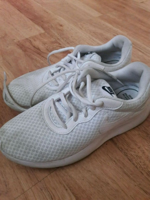 9b62d470619481 Used Nike sneakers for sale in Warner Robins - letgo