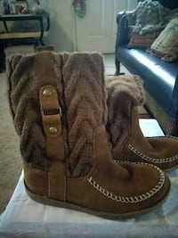 Ladies brown sweater Boots