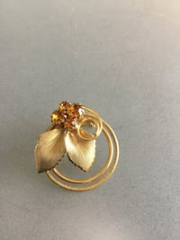 Gold Tone Round  Brooch Pin With Amber Color Rhinestones & Leaves
