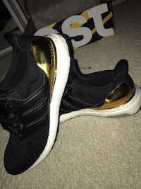 *BRAND NEW* Gold Ultraboosts Size 11 Edmonton, T5T 3M8