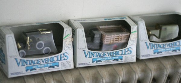 Vintage Vehicle 1:43 Scale Toy Truck Colletibles