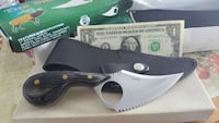 Hunting knife- firm price. Southfield, 48075