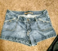 women's blue denim shorts Bakersfield, 93308