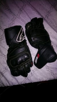 Men's small apline stars sp8 motorcycle gloves Martinez, 94553