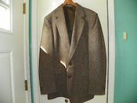 44L Brown Tweed Wool Limited Edition 2 Button Suit Coat New Bedford