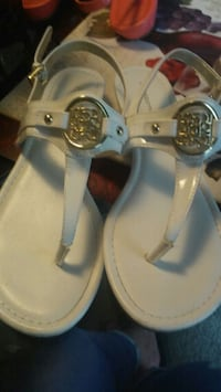New Liz Claiborne Sandals white. San Antonio