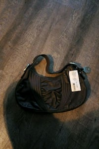 black small purse London, N5V 3Y4