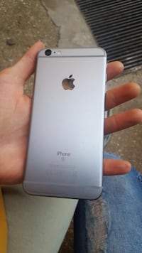iPhone 6 in argento con custodia Villa Adriana, 00010