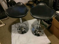 2 high chairs Rochester