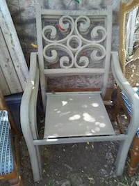 3 patio metal chairs good condition