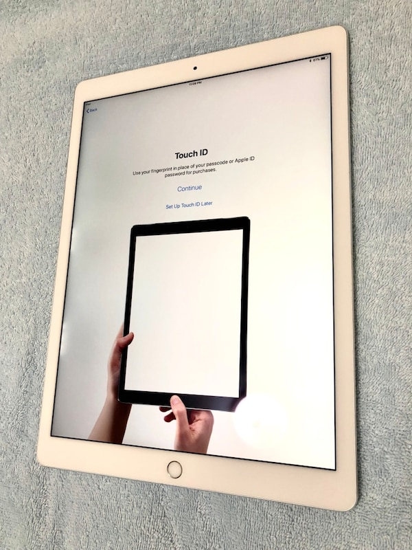 AWESOME 12.9-in iPad Pro / Silver / 64GB / WiFi + Cellular - LIKE NEW!!