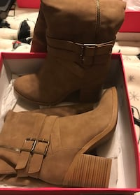 Brown boots size 9 Bettendorf, 52722