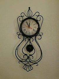 Wall clock.  Vista, 92083