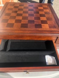 Bombay Delux Game Box Cherry wood Finish  New in Box