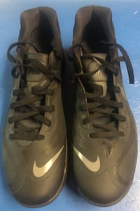 Black nike hyperfuse running shoes size 13 never warn