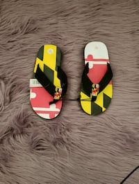 New with tags UMD flip flops Greenbelt
