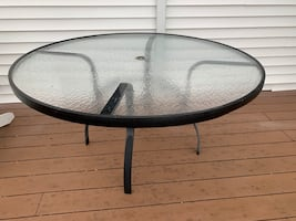 Glass deck table