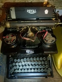 Antique typewriters from Royal Glendale, 91204