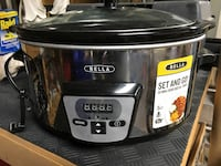 Black and gray aroma slow cooker Hicksville, 11801