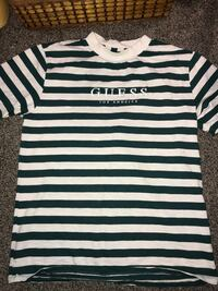 Stripped guess T-shirt  Coquitlam, V3K 4Z4
